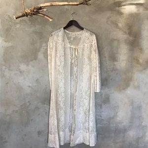 Vintage 60's long lace  boho duster top in white